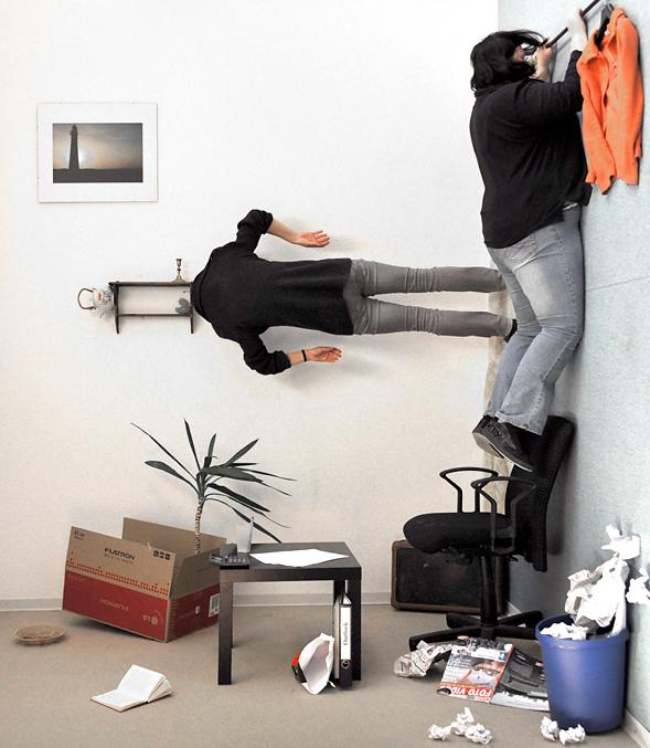 ordnung im b ro foto bild erwachsene prominente des ffentl lebens prominente k nstler. Black Bedroom Furniture Sets. Home Design Ideas