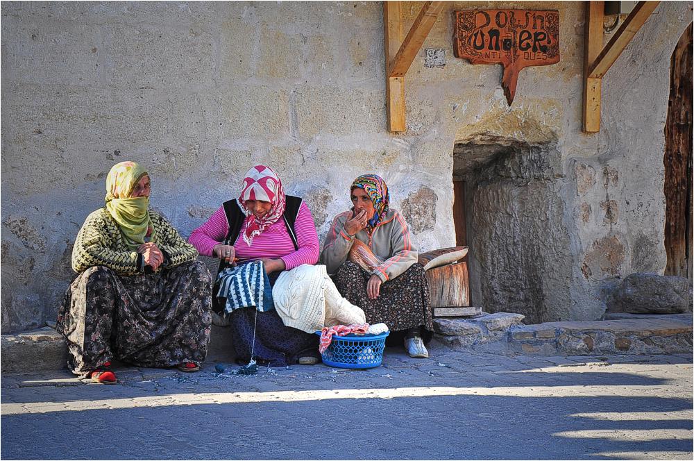 Orientalische Frauen in Kappadokien/Türkei