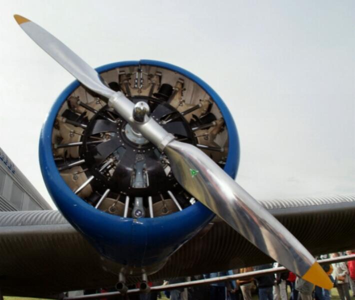 Original 9 Zylinder Sternmotor von BMW
