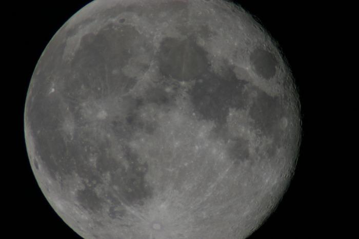 Originalgröße des Mondes (Vollmond)