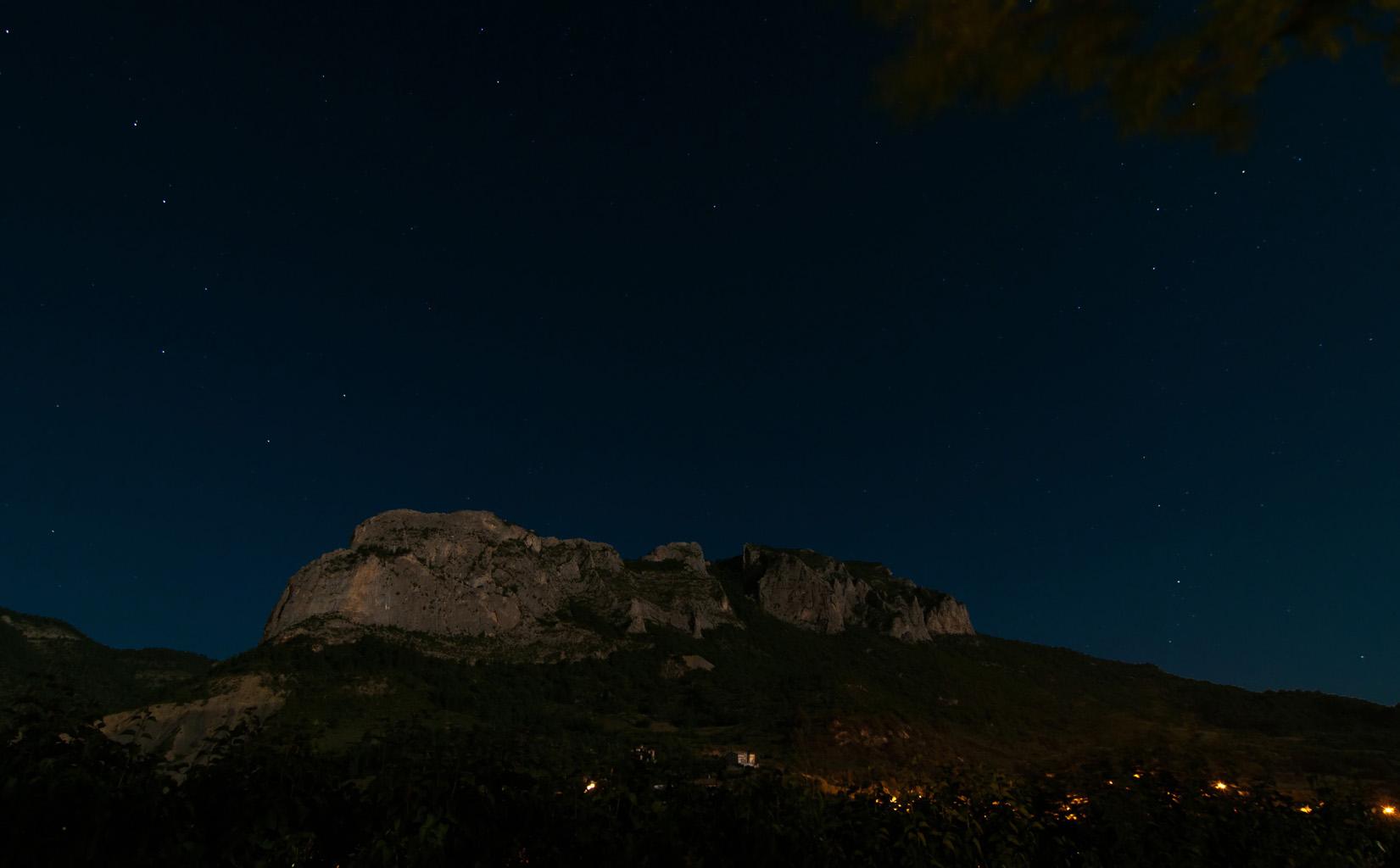 Orpierre bei Mondlicht