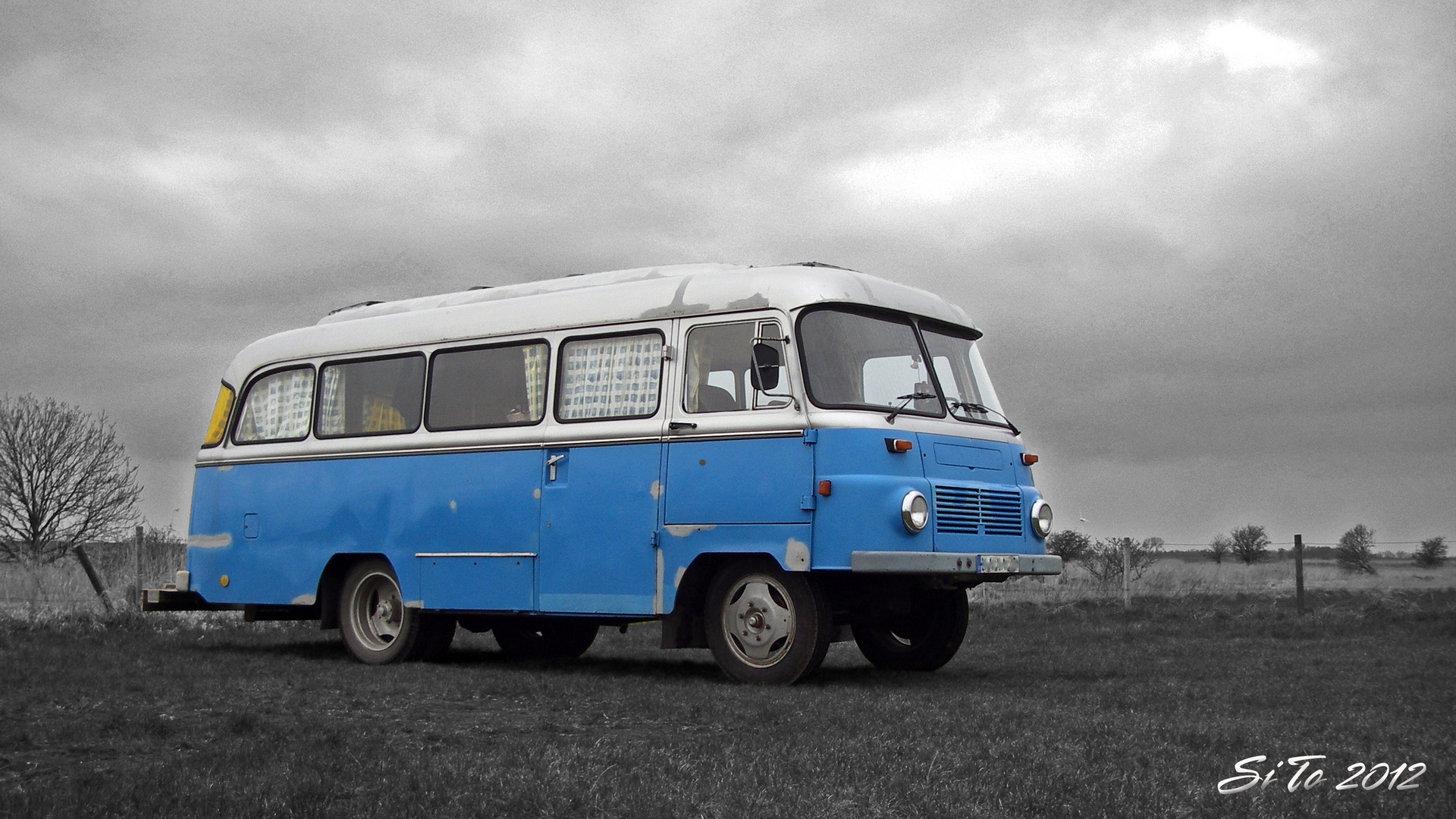 OSTALGIE - ROBUR - Bus...