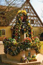 Osterbrunnen am Palmsonntag