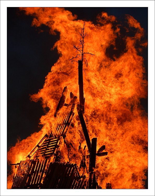 """"""""""""""" Osterfeuer """""""""""""""