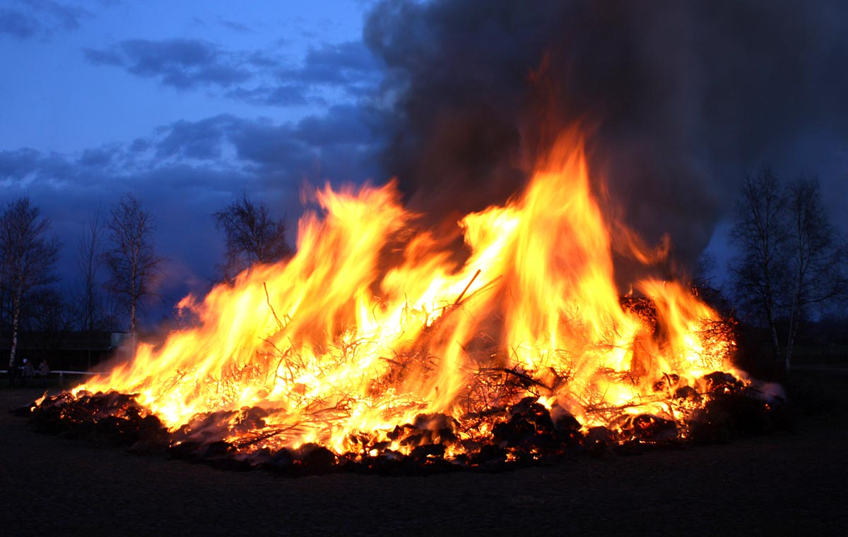 Osterfeuer in Ringstedt