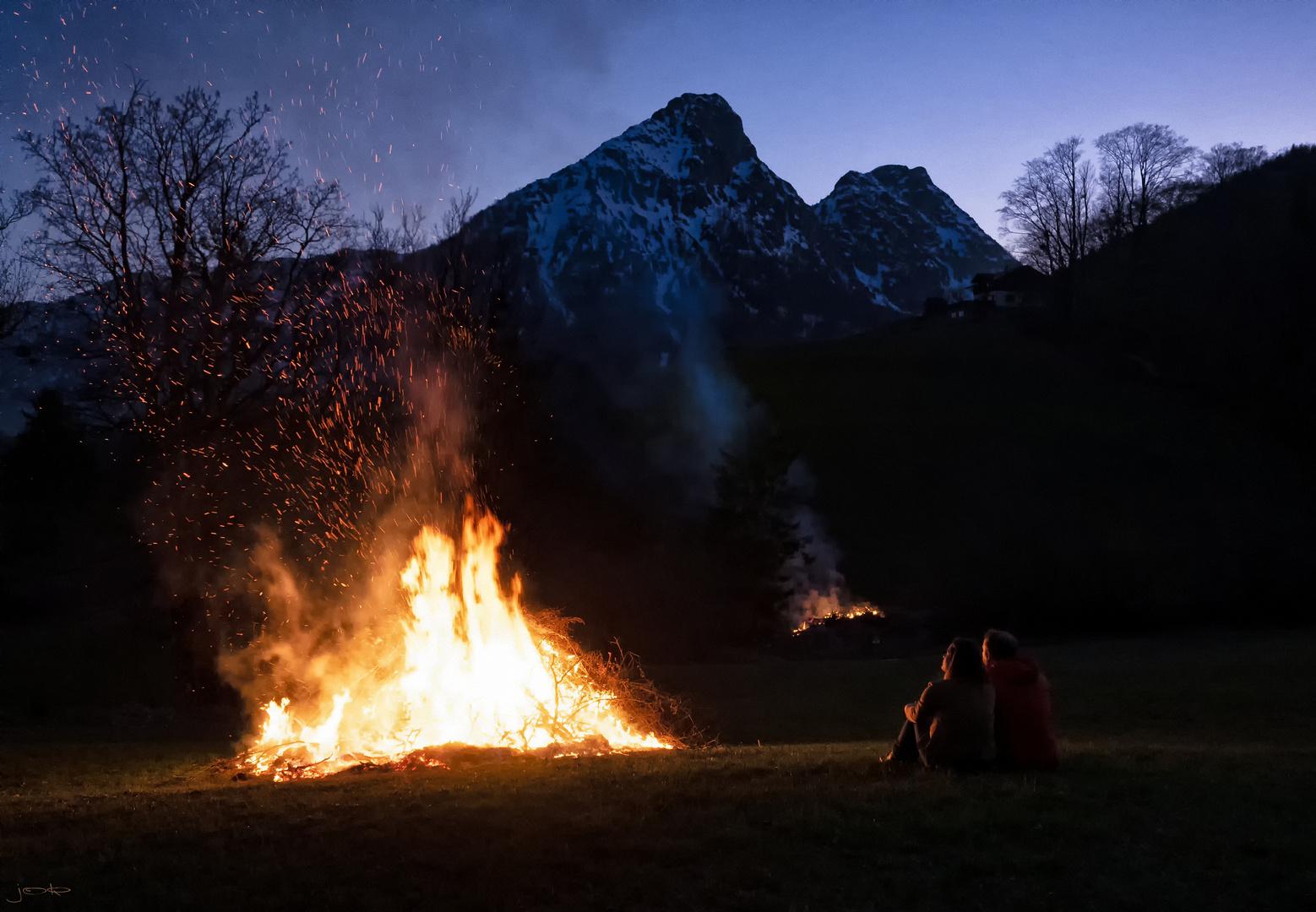 Osterfeuer - Licht des Lebens