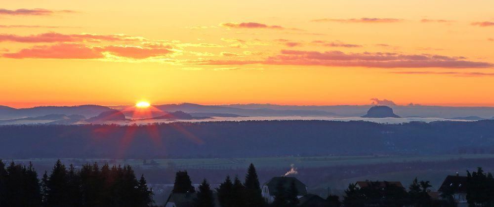 Ostersonntag ist die Sonne so in den Tag gestartet zwischen den Bärensteinen...