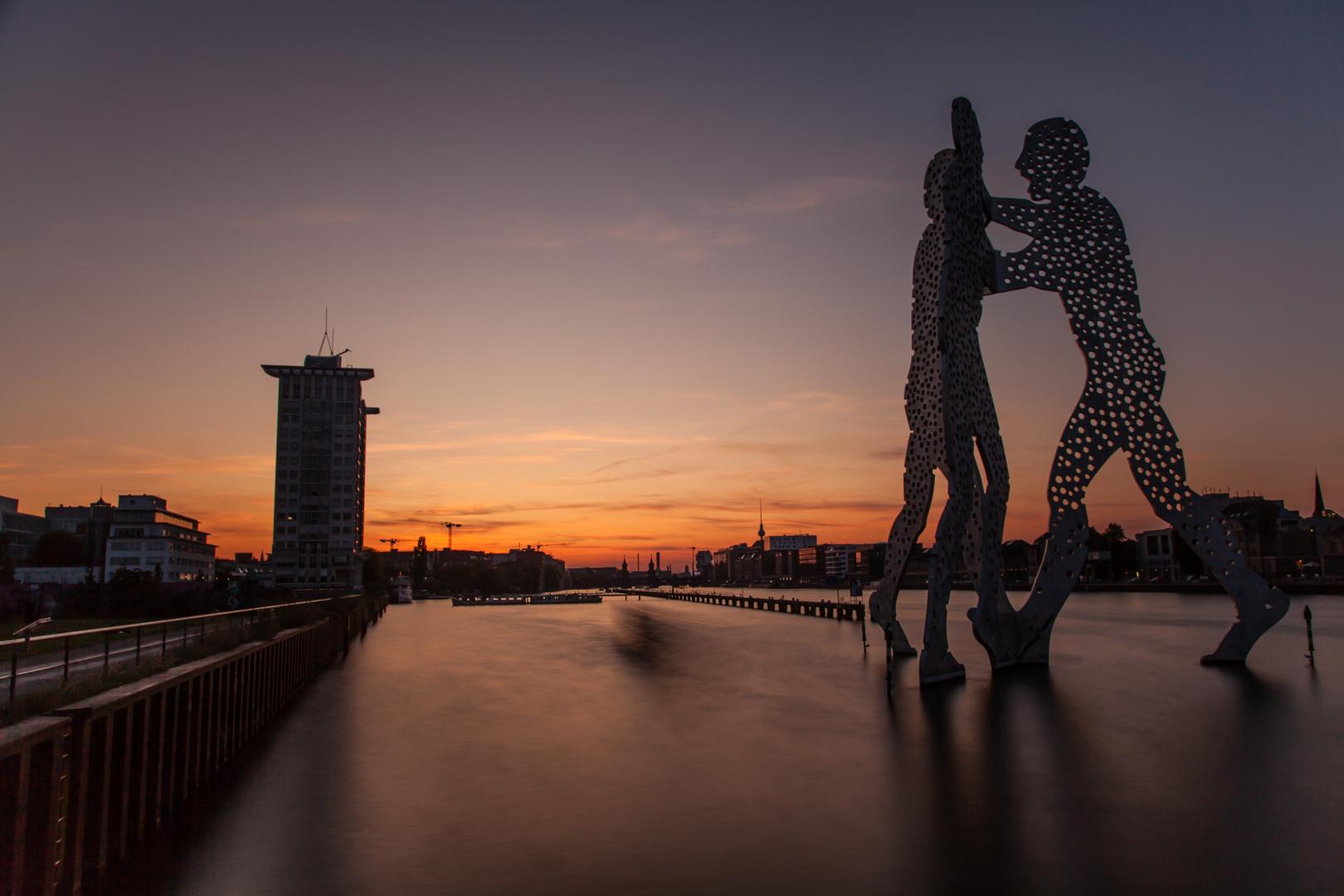 Osthafen beim Sonnenuntergang