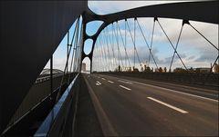 * Osthafenbrücke **