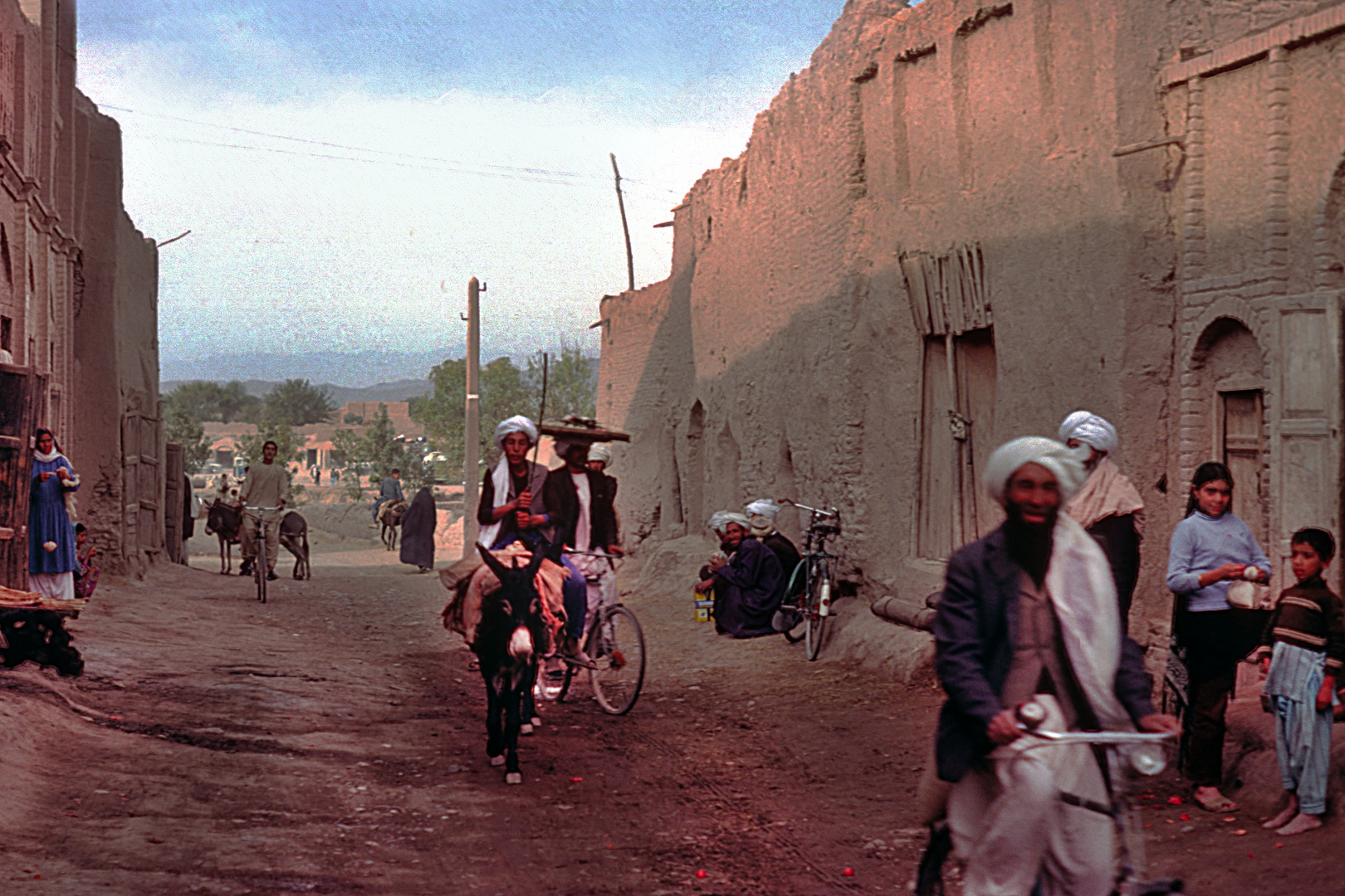 Other scene on the street in Herat