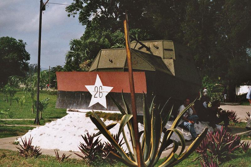 Oude tank door Fidel Castro troepen gemaakt.