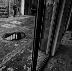 outside / inside : dialogue