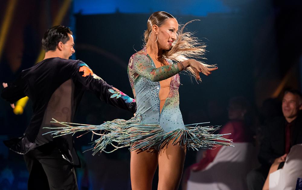 Oxana Lebedev und Ilia Russo bei der Samba (2)