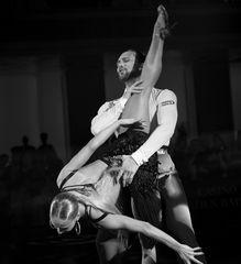 Oxana Lebedew & Pavel Zvychaynyy bei der Rumba