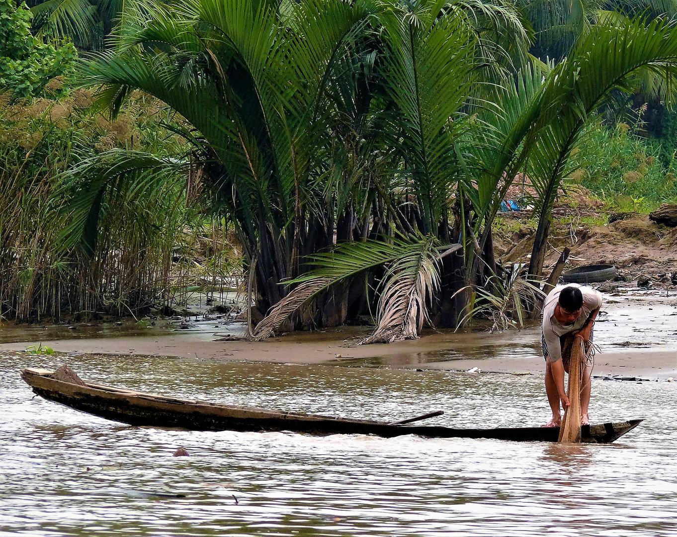 P1120953 (3) Fischer am Mekong