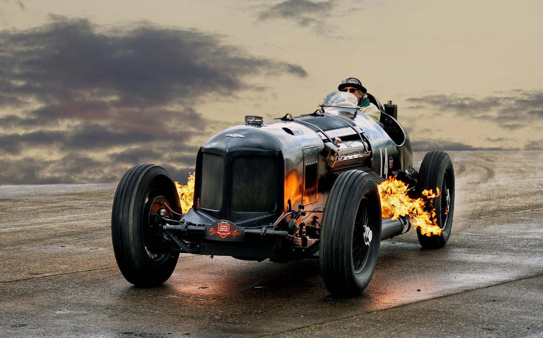 Packard Bentley - Feuer unter der Haube