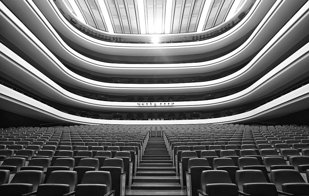 Palau de les arts klassisch foto bild architektur for Architektur klassisch