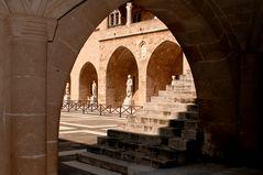 Palazzo del Gran Maestro - Particolare del chiostro 3-