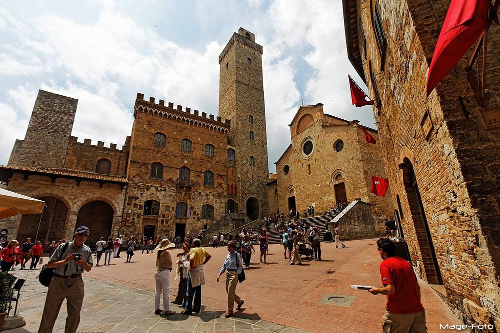 Palazzo del Popolo e Duomo