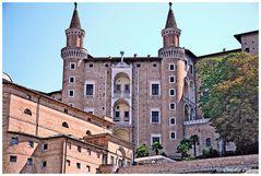 Palazzo ducale in Urbino,facade of turrets
