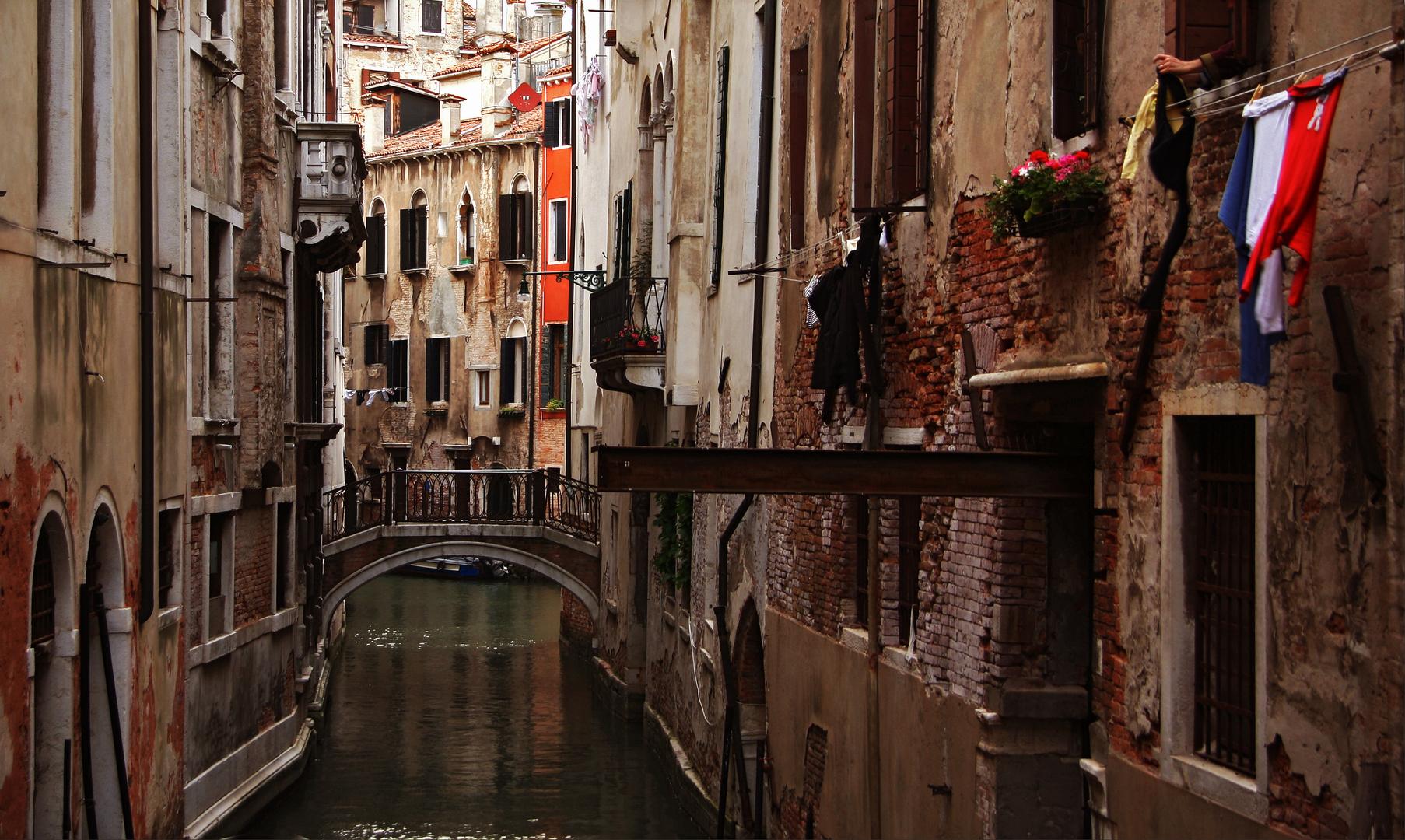 Panni sul canale