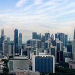 Panorama auf das Bankenviertel von Singapur bei Tag