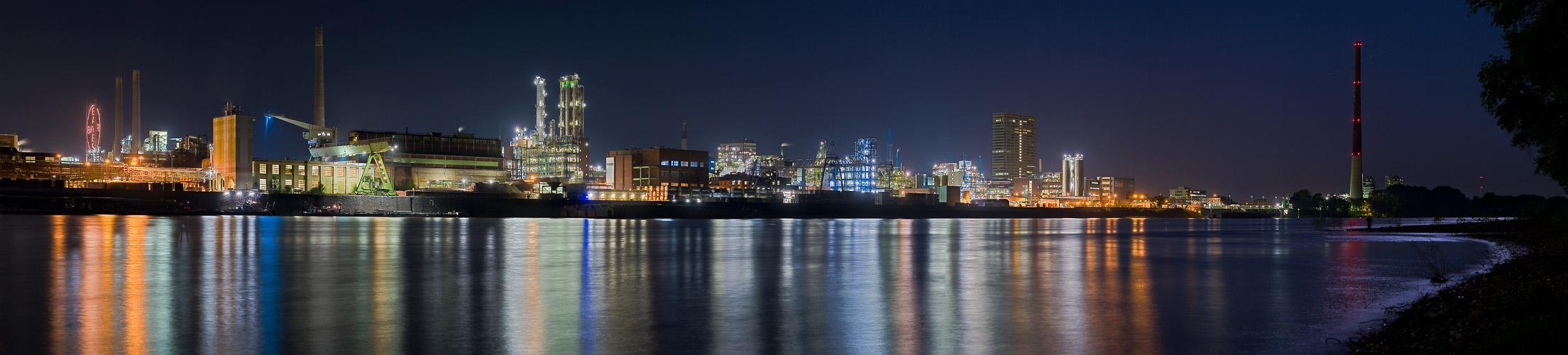 Panorama der Bayer Leverkusen Werke