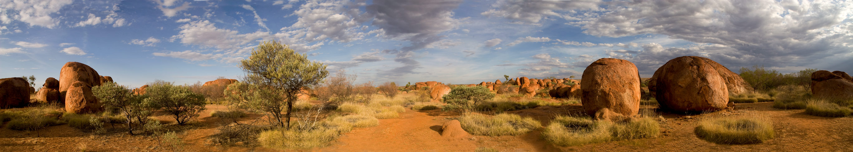 Panorama Devils Marbles