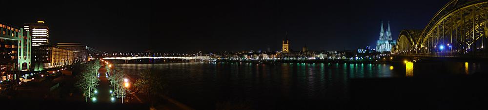 Panorama - Skyline Köln bei Nacht