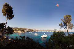 Panoramablick auf die Bucht bei Cala Fornells