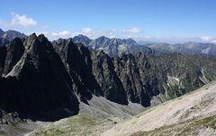 Panoramablick vom Sattel Sedielko (2376 m)....