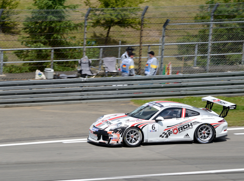 Panzertape schon im Qualifying des Porsche Mobil1 Supercup