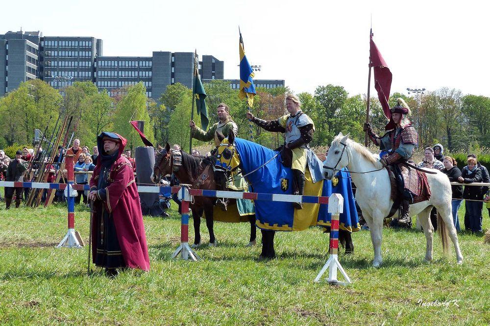 Parade der Reiter - Mittelalterlicher Markt in Neuss