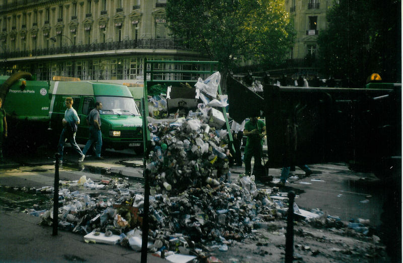 Paris, am Platz der Republik (1994)