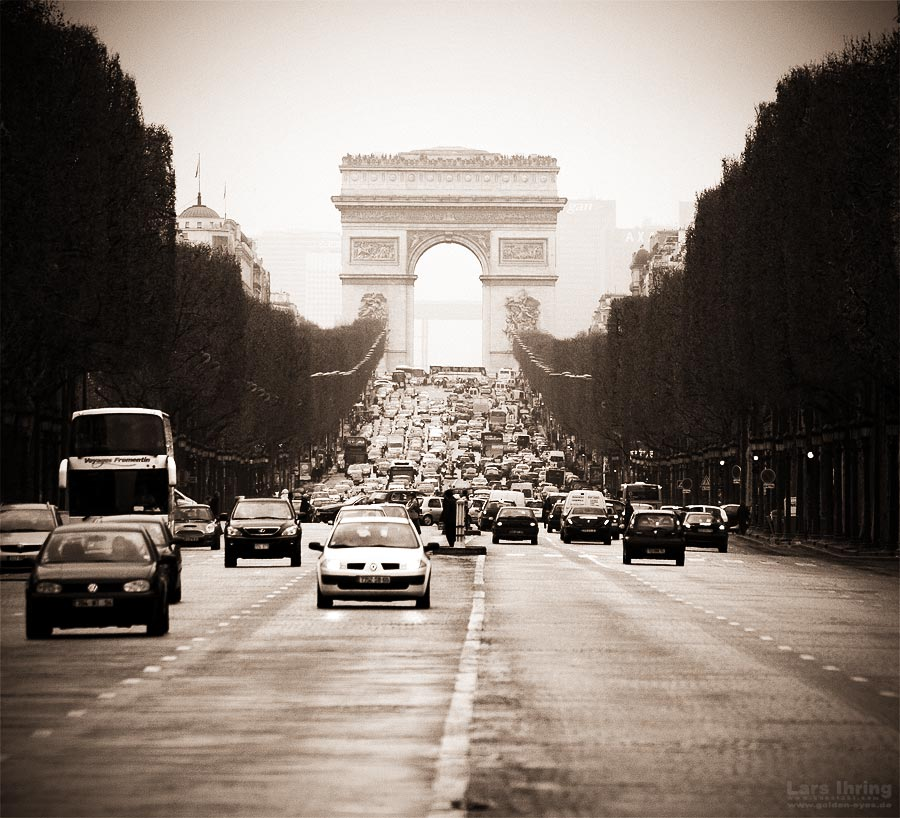 Paris - April 2007 - Arc de Triomphe