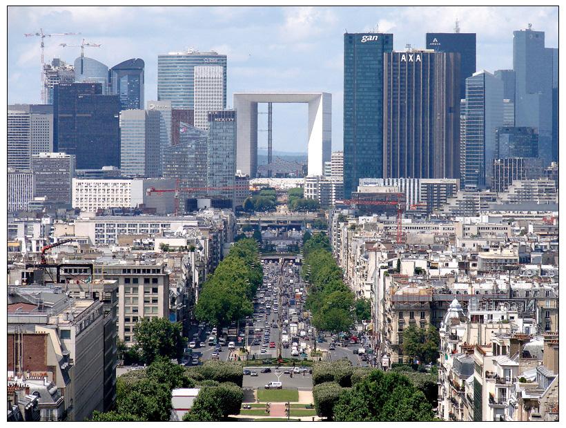 Paris - Blick vom Triumpfbogen in Richtung La Défense