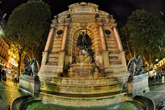 Paris . Fontaine Saint-Michel
