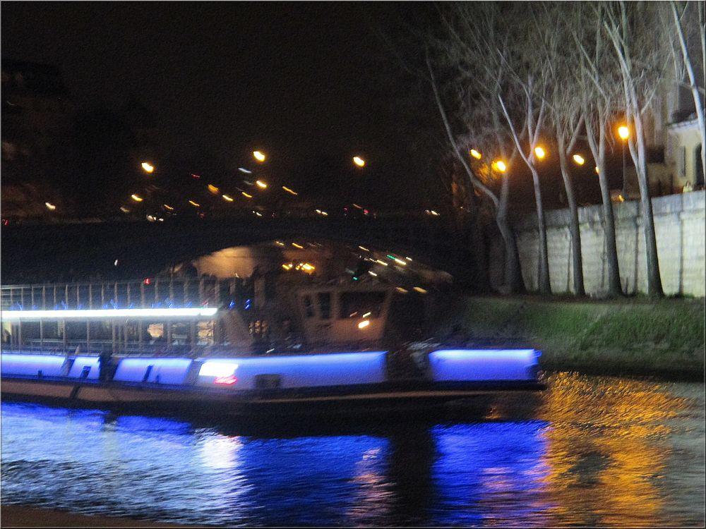 ..Paris, la nuit..