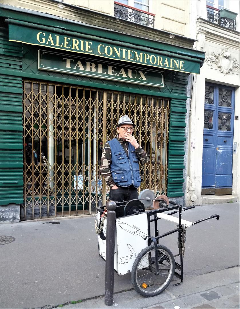 Paris Scherenschleifer Portrait J5-19-1col +SW +8Fotos