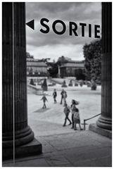 "Paris-""Sortie"""
