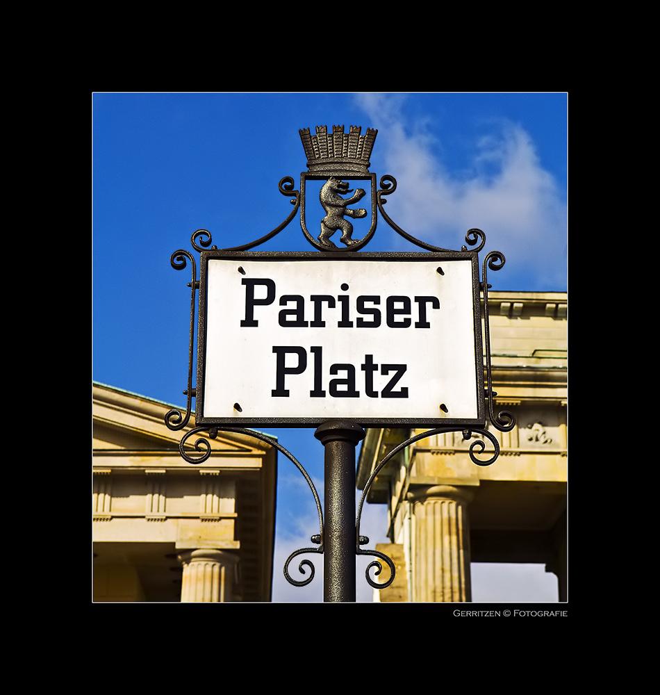 <  Pariser Platz  >