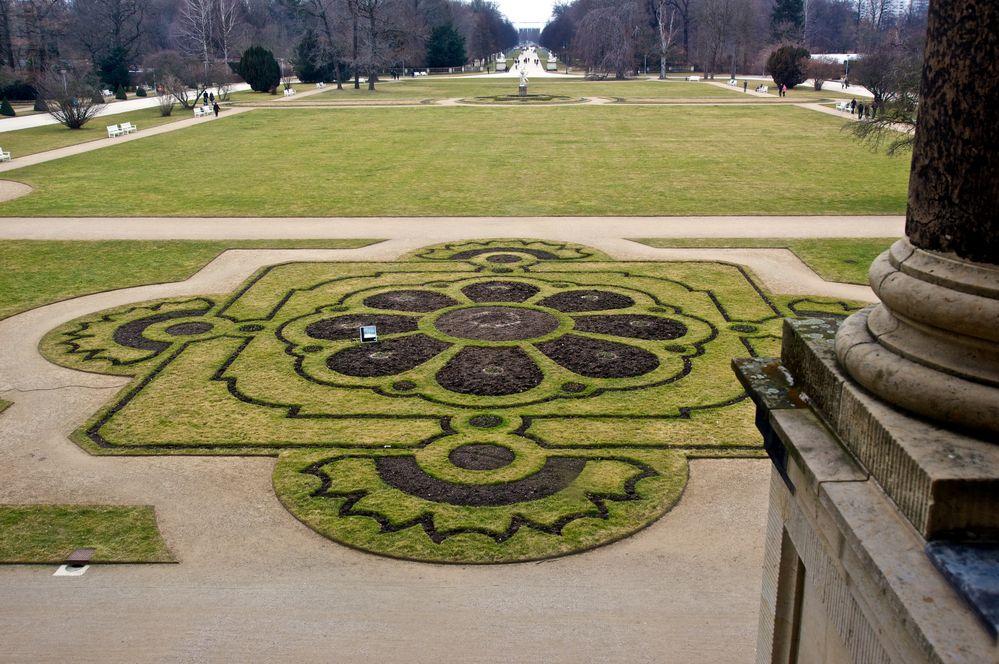 Parkanlage vorm Palais im Großen Garten