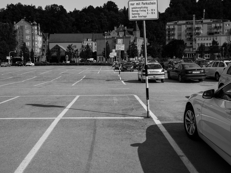 Parkplatz-Kontrast-Gesellschaft
