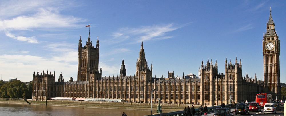 Parlamentsgebäude mit Big Ben