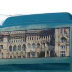 Parlamentspalast im Reisebus