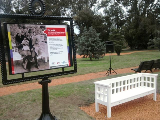 Parque de la Independencia - Réplica del banco donde estuvo el Che Guevara a dias de nacer 1928