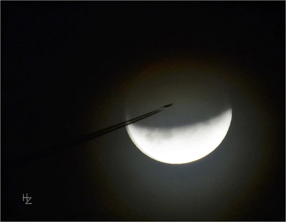 partial moon eclipse