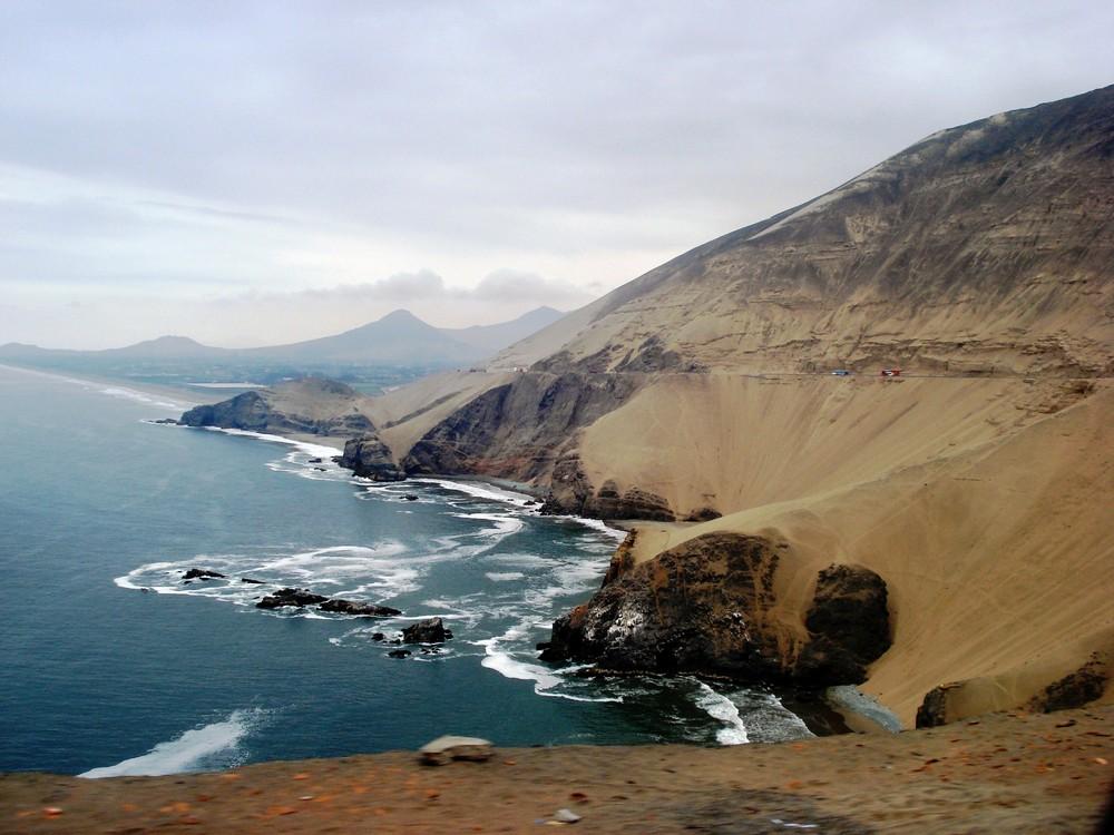 Pasamayo hacia al Norte (se ve el valle de Chancay) - LIMA -Perú