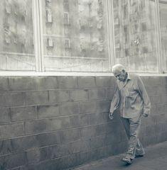 """"""" Paseo temprano por la calle de las ventanas"""""""
