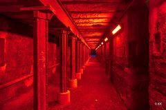 Passage in Rot